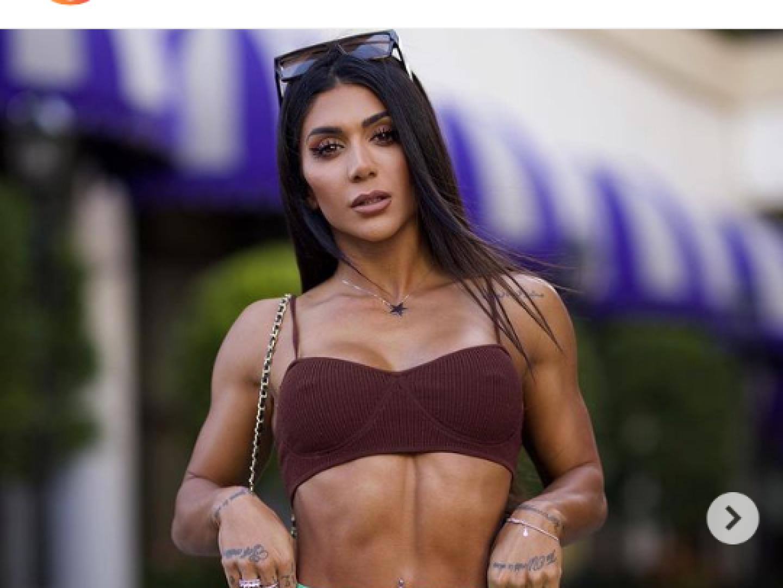 بسبب ملابسها الفاضحة منع لاعبة كمال أجسام تركية من ركوب الطائرة في أمريكا .. فيديو و صور